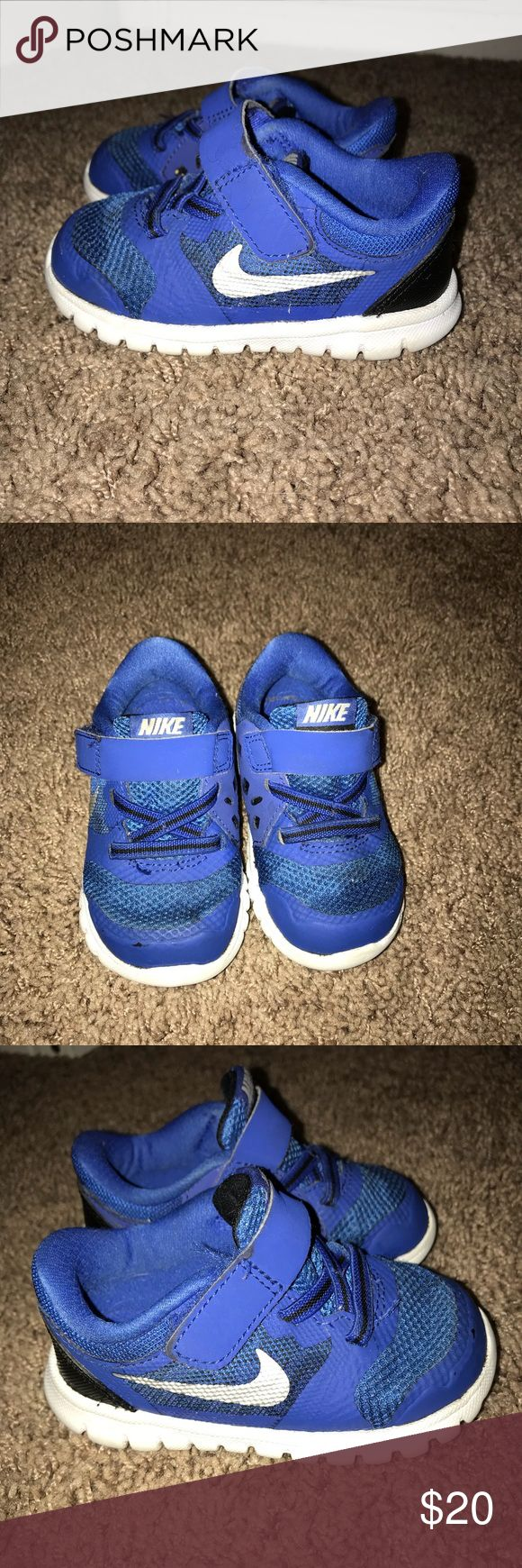 Toddler baby boy Nike's Velcro has some lint stuck in it (obviously can't tell when strap is closed), but no other flaws! Size 5c. My 1 year old wore these for a month or so before he could really walk. Smoke free home 😊 Nike Shoes Sneakers