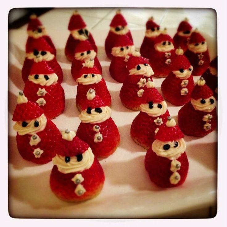 Para esta navidad les dejo este postre de frutillas en forma de viejo pascuero que hará sonreír a toda tu familia. Esta receta es muy simple, rápida,...
