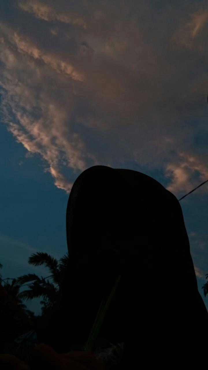 Tentu saja gambar foto profil wa kosong lucu memang sudah banyak dicari oleh. Pin By Ija On Vibes Fotografi Bayangan Estetika Langit Fotografi Langit
