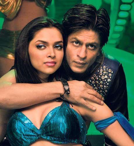 Deepika and Shahrukh - Love  Mera Hit Hit song - Billu Barber (2009)