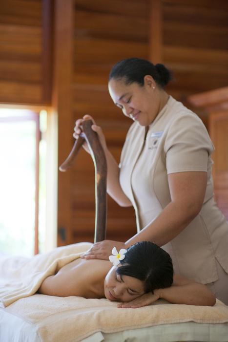 Kala ko'i ko'i  Lomi Lomi massage... Photo shoot for a Japanese magazine