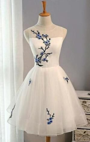Sexy Charming Short Prom Dresses,Cheap White Homecoming Dresses,Tulle Prom Dress,Sleeveless Prom Dresses for Girls from lovingdress