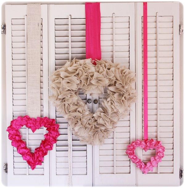 valentine's dayValentine'S Day, Heart Crafts, Valentine Crafts, Burlap Wreaths, Crafts Ideas, Heart Wreaths, Valentine Day Decor, Valentine Wreaths, Valentine Ideas