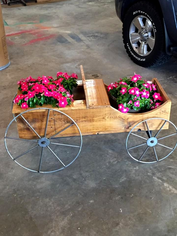 Upcycled Pallet Cart Planter | 101 Pallet Ideas