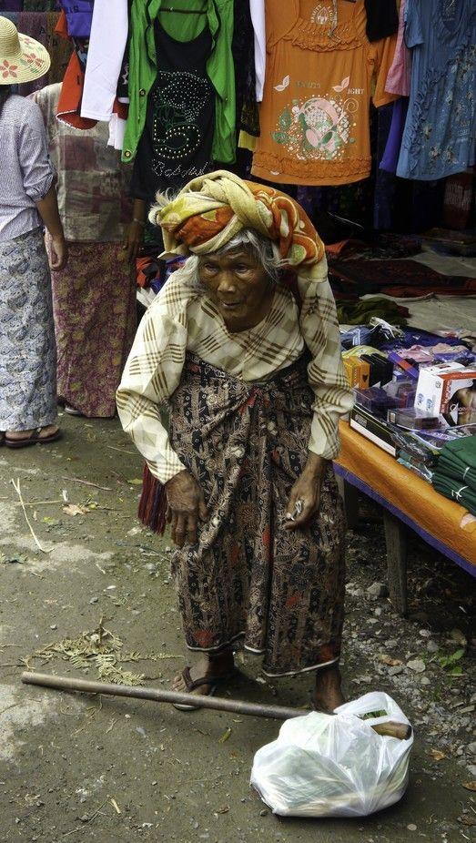 TONY'S TOURS - MYANMAR - HEHO - MARKET - OLD WOMAN - JULY - WINTER 2013