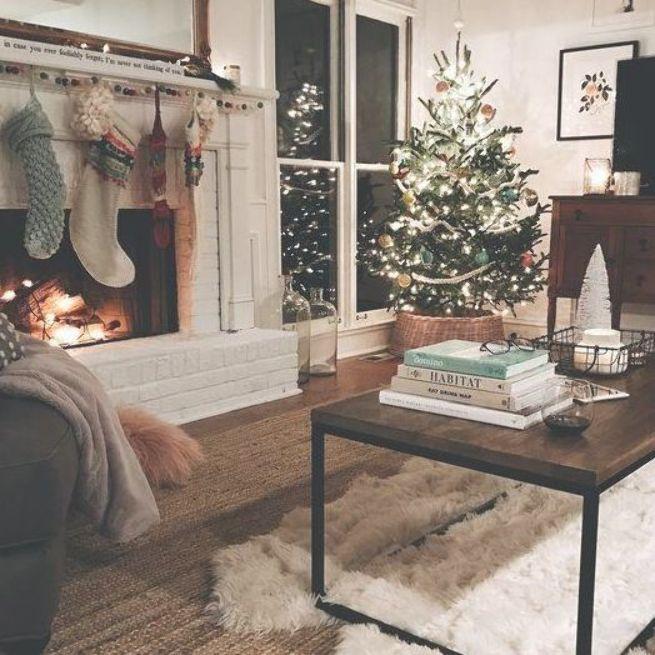 60 Scandinavian Christmas Home Decor Christmas Tree And Gifts 2018 Ninetyfourdesigns Christmas Decorations Living Room Christmas Living Rooms Christmas Home