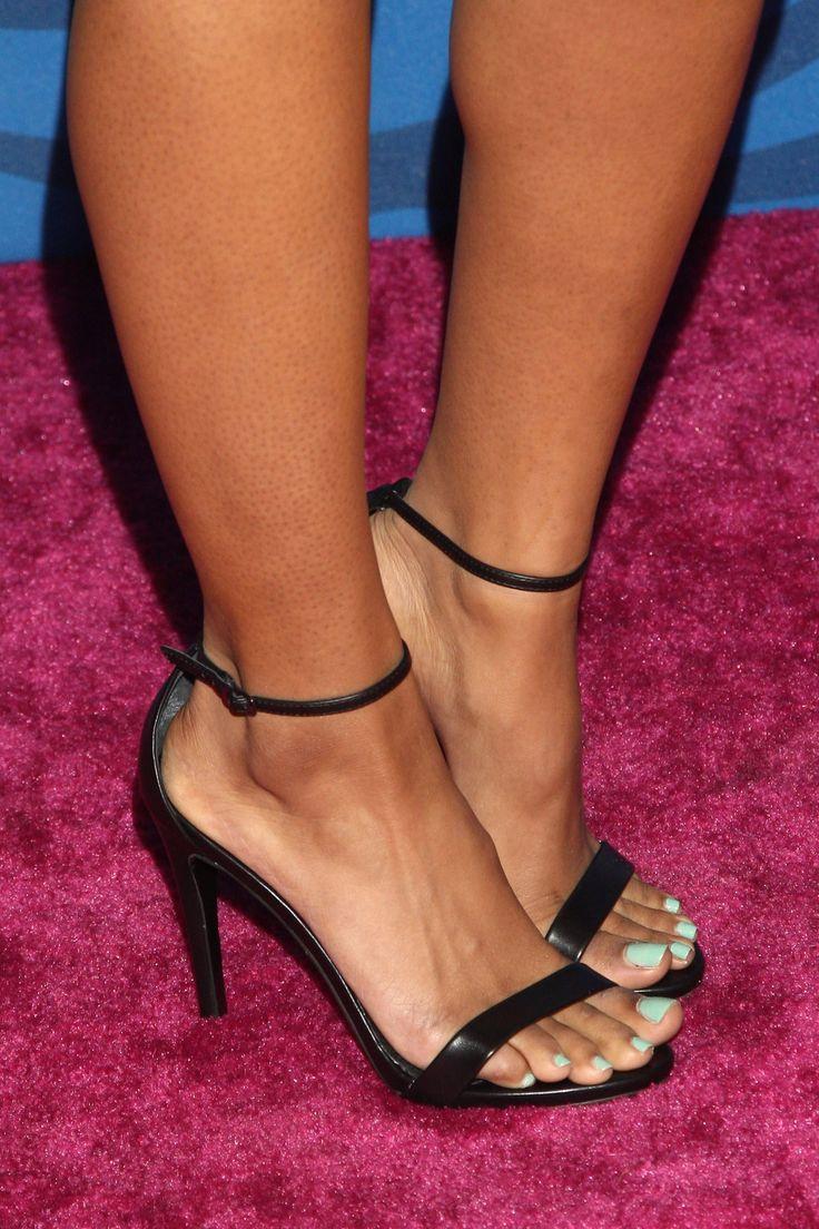 Candice Pattons Feet-6297