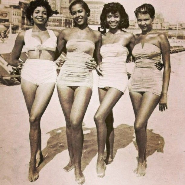 Natural Black Girl Fashion: Beautiful Jamaican Ladies @ The Beach In The 1950's