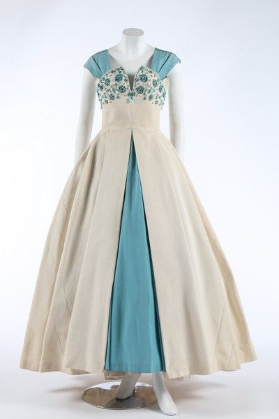 Norman Hartnell evening dress ca. 1953 From Kerry Taylor...