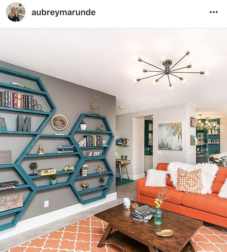 Episode 8 flip or flop Vegas. Would love to build these hexagon wall mounted bookshelves in white. Inexpensive as it just requires 2x4s.