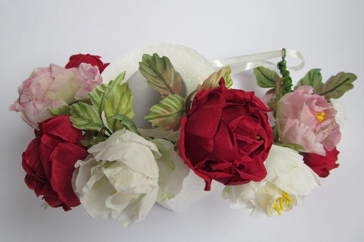 #Венок из шелковых #роз. Объём универсальный за счёт ленты. Продаётся