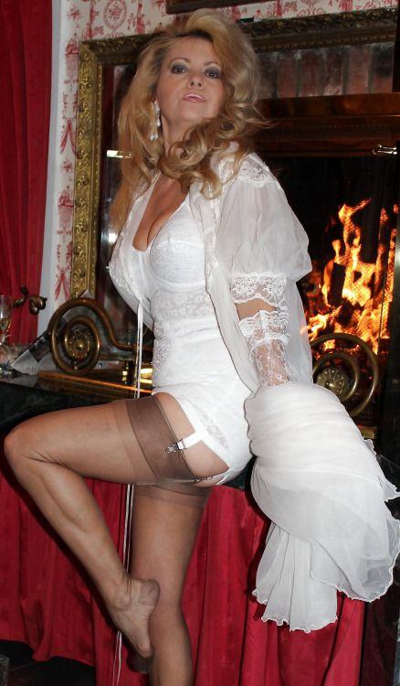 """basnyloncouture: """"perfectly-mature-cougars: """" ffcubanheel: """" ❤️❤️ """" MATURES, MILFS, GRANNIES AND GILFS """" j'aime ,, très belle femme dans sa lingerie ,, gants en dentelle ,, grand déshabillé en voile transparent et très beaux bas nylon ,,..."""