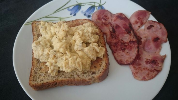Chicken bacon, 1 egg on toast