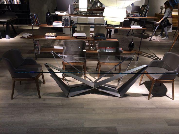 Moa casa tavolo skorpio con base in acciaio verniciato trasparente e piano in cristallo - Casa base milano ...