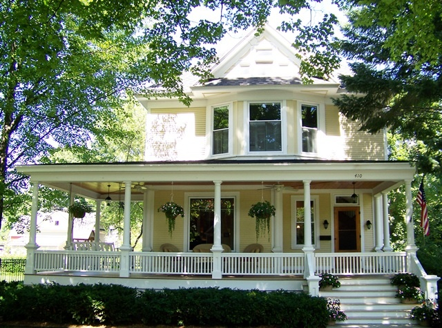 350 best images about farmhouse on pinterest modern for Farmers porch plans