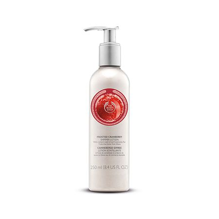 Shine all season long with this juicy-smelling shimmer lotion. This lightweight moisturiser gives skin a touch of sparkle whilst leaving it smelling energized. Contains top note cranberry seed oil from Canada as nourishing and moisturising treat for the skin.