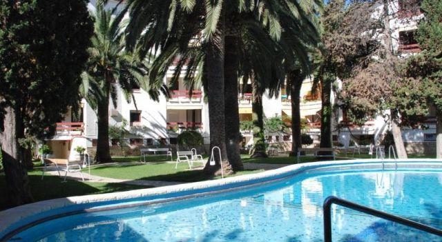 Apartamentos Córcega - #Apartments - $90 - #Hotels #Spain #Salou http://www.justigo.eu/hotels/spain/salou/apartamentos-ca3rcega_18814.html