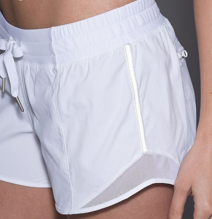 lululemon hotty hot short (long!!!), white