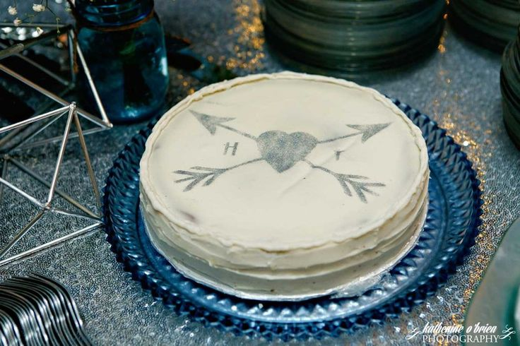 Stregare Cheesecake Company - Austin Cakes - Cheesecake with heart and arrow motif