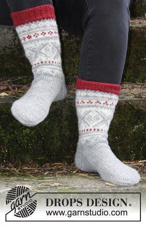 Narvik Socks / DROPS 185-8 - Stickade sockor med flerfärgat nordiskt mönster till herr. Storlek 35-46. Arbetet är stickat i DROPS Karisma