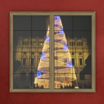 23/12/2015 Only two more days until Christmas! The night of Porto is dressed up for it, as today's Advent Calendar window shows. wink emoticon http://bit.ly/1MeK2pX #WindowsOfPortugal