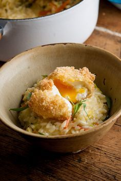 Bubble and squeak usually refers to mashed and fried cabbage, carrot, peas, potato or even Brussels sprouts. Here, the British delicacy is used in the otherwise Italian dish of risotto, topped with a gloriously crispy deep-fried egg - a classic Paul Ainsworth twist.