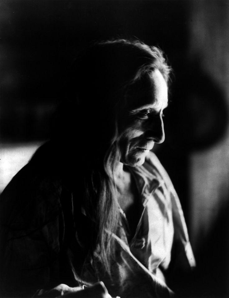 Tatanka Ptieela, Dakota Sioux, by Heyn Photo, 1900
