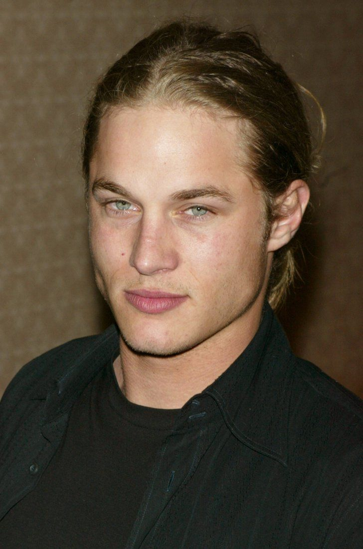 Pin for Later: If You Love Charlie Hunnam and Don't Know About Travis Fimmel, You're Missing Out Back in his modeling days, Fimmel kept his face clean-shaven.
