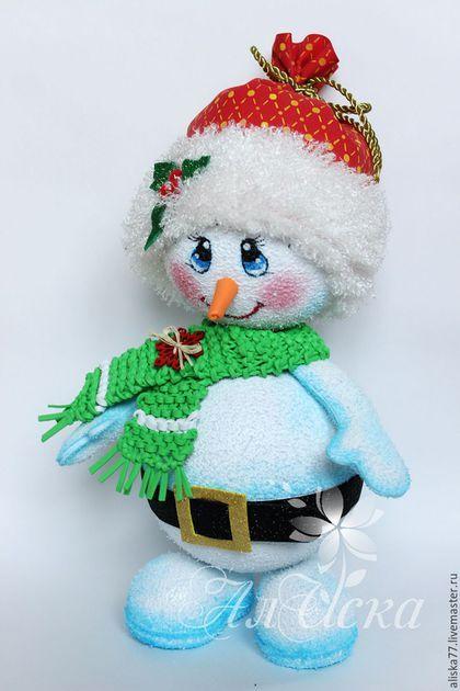 Новый год 2016 ручной работы. Ярмарка Мастеров - ручная работа. Купить Снеговик с сюрпризом. Фоам Эва (фоамиран). Handmade. Разноцветный
