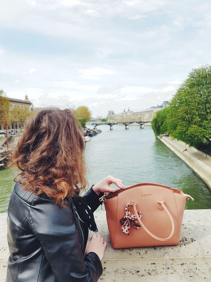 How to spend 24 h in Paris