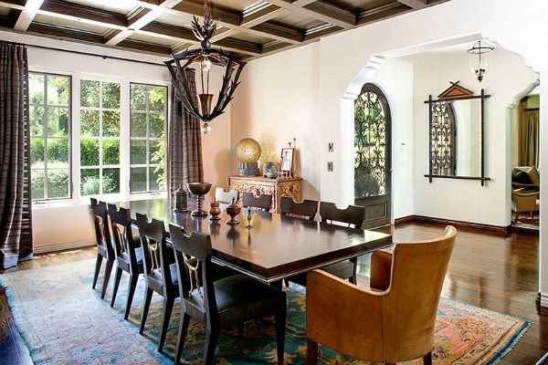 Of course the only rug I can find that I would like is in Reese Witherspoon's House on hookedonhouses.net