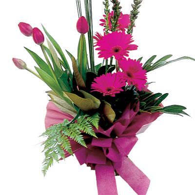 Show your great taste with this beautiful modern bouquet.....love the hot pink Tulips........
