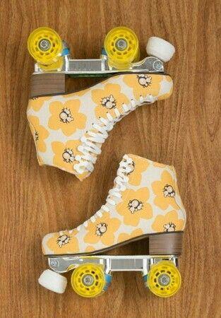 Yellow Roller skates Para mi no es sólo un deporte, es un sentimiento, una pasión, es todo un estilo de vida. #PatínArtístico