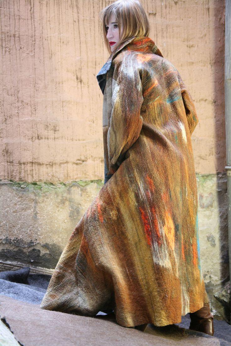 Murmures, felt coat by Francoise Hoffmann