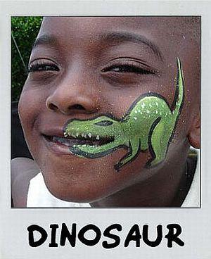 Dino am Mund