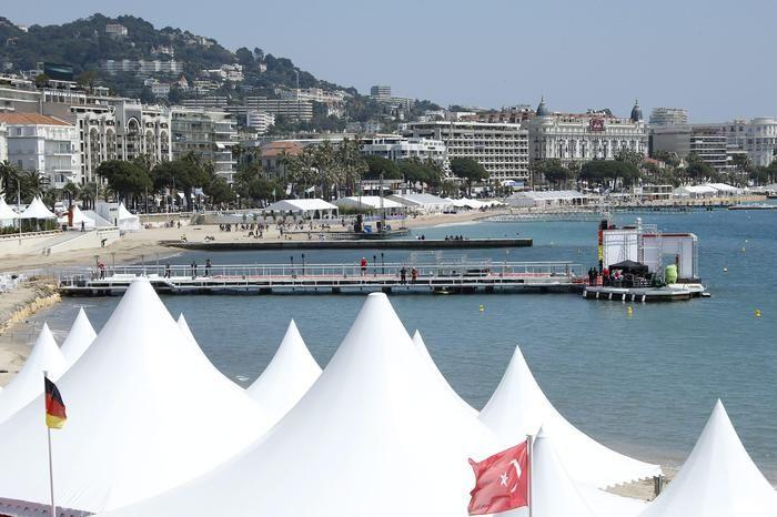 Da JULIETA di Almodovar a THE NEON DEMON di Refn fino THE HANDMAIDEN di Park Chan-Wook. Ben 7 film sui 21 in concorso al 69/o Festival di Cannes, al via l'11/5, hanno un fil rouge declinato al femminile. (ANSA)