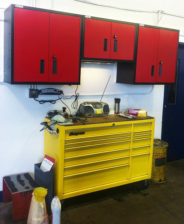 58 best images about red and black metal cabinets on for Garage piece auto
