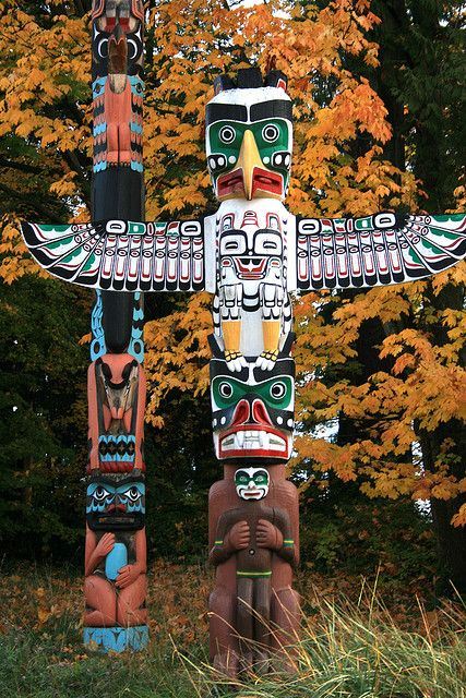 Stanley park totem poles in Vancouver, British Columbia, Canada • photo: Roborovski Hamsters