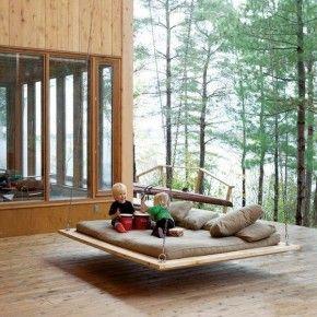 подвесная кровать - диван на террасе