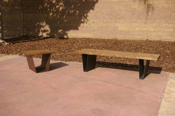 #Bancos UVE + UWE. Los bancos de la colección Levo buscan el equilibrio entre dos materiales: acero y madera, esta última madera de flandes termotratada (sin elementos tóxicos), que nos aporta sencillez con un acabado natural. #bench #seating