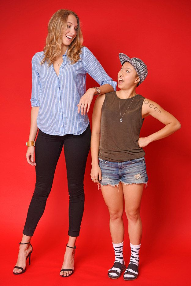 "Caroline and Christina | 12 Photos Of Women Showing Off Their Most ""Unflattering"" Outfits"