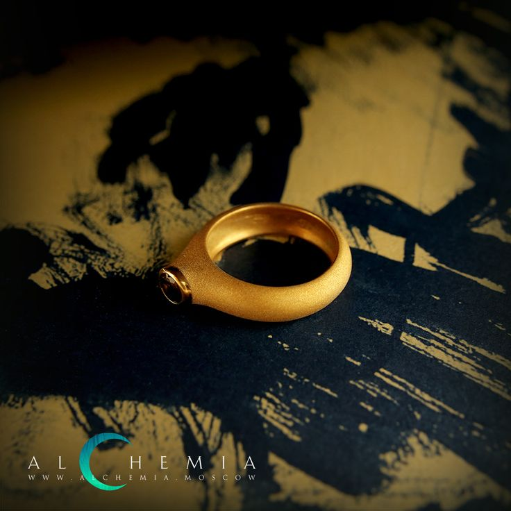 The Chamfer ring. Gilded silver, satin cover, rauchtopaz. Handmade by Alchemia Jewellery
