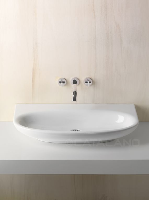 Washbasin for wall-hung or sit on istallation. 0, 1 or 3 tapholes. Suitable for wall-hung or sit on installation.