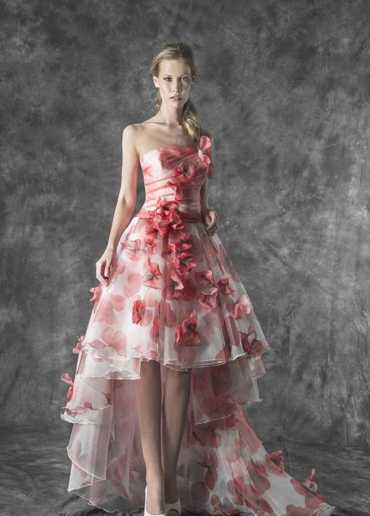 Magnani Atelier | Magnani Sposa abito da sposa  corto in organza con stampa a fiori papaveri rossi.  corpino plissettato e pizzo 3d