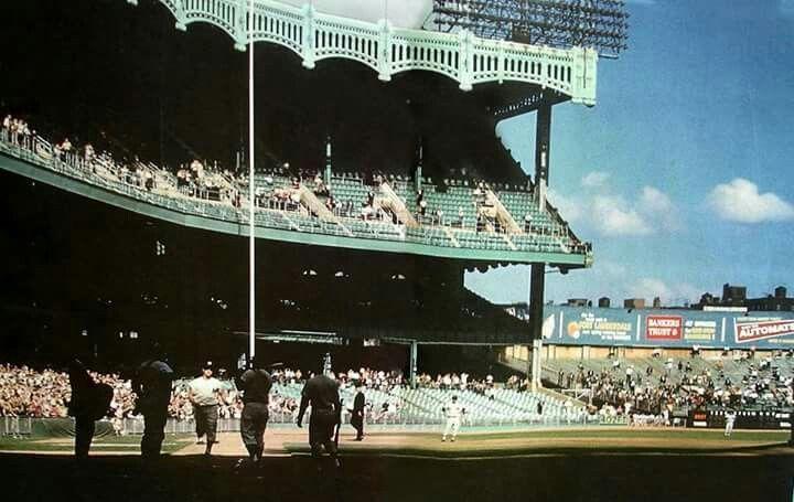Roger Maris Heading Home After Hitting Home Run 61 At Yankee Stadium October 1 1961 Still The Record In My Baseball Park New York Stadium Baseball Photos