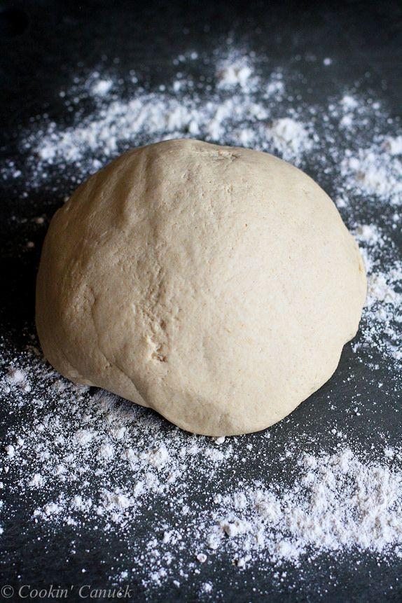 Wie zu: Make Whole Wheat Pizza Teig ... Perfekt für hausgemachte Pizza-Nacht!  Aufrechtzuerhalten  Cookincanuck.com #recipe