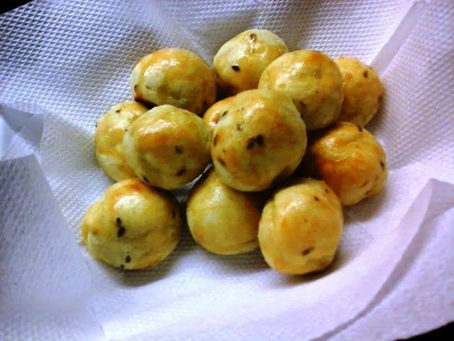 Uma delícia e com todas as vantagens da batata doce.     Ingredientes:   3 colheres de sopa de polvilho doce *   1 batata doce coz...