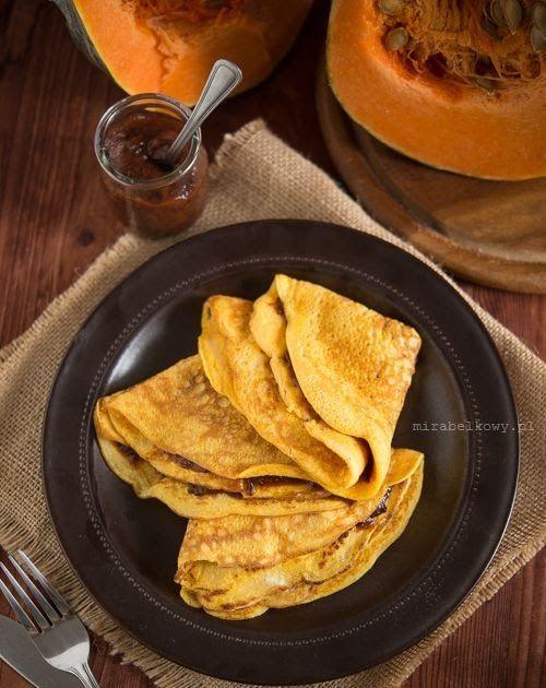 Puree z dyni  to bardzo wdzięczny składnik do kulinarnych eksperymentów. Rok temu pokazywałam Wam przepis na dyniowe pancakes , a tym razem ...