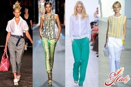 Летние брюки женские на бедрах