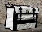 Sacoches de bât en bâche coton avec sous-ventrière - col blanc et noir - La paire
